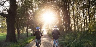 Jak przygotować się na rodzinną wyprawę rowerową